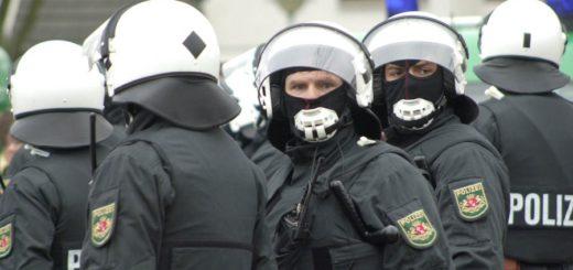 Polizisten im Einsatz, Foto: WR