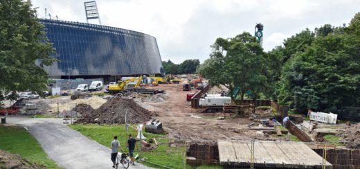 Die Bauarbeiten am Stadion. Foto: Schlie