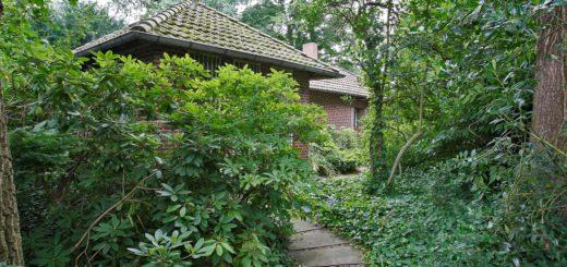 Das Haus auf dem Friedhof Woltmershausen soll abgerissen werden. Foto: Barth