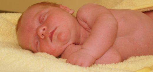 Neugeborenes Baby, Symbolfoto/pixabay