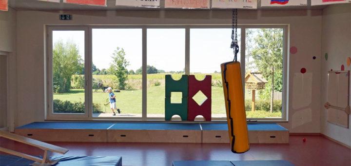Blick aus dem Fenster der Kita Hönisch. Davor soll ab November eine mobile Modullösung zum Einsatz kommen. Foto: Bruns