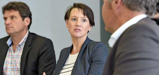 Bildungssenatorin Claudia Bogedan erklärt die Schlechte Situation der Kita-Plätze in Bremen. Foto: Schlie
