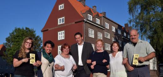 """Die Vertreter der SPD, CDU, der Grünen und der Piratenpartei hoffen für Sonnabend auf eine große Resonanz, wenn sie auf der ehemaligen """"Hotelwiese"""" an das Bürgerengagement gegen Rechts vor zehn Jahren erinnern möchten.Foto: Konczak"""