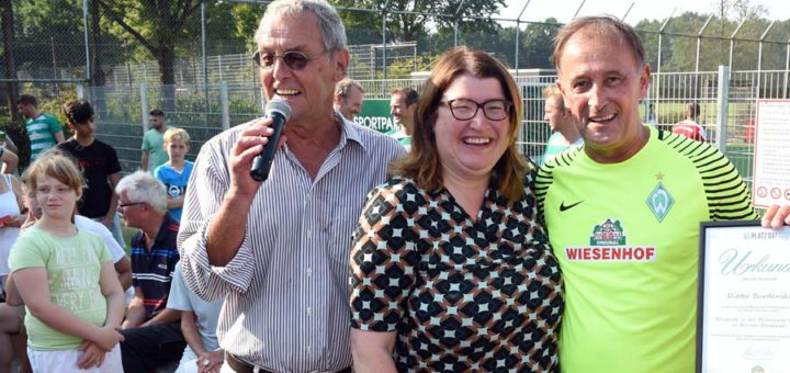 Haben den Sportpark Blockdiek eröffnet Jörg Wontorra und Anja Stahmann. Fotos: Schlie