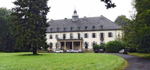 Das Herrenhaus von Gut Hohehorst bietet gut 100 Zimmer und wurde zuletzt als Drogen-Therapiezentrum genutzt. Foto: Schlie