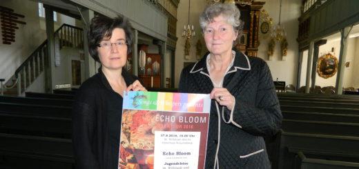 Kirchenkreiskantorin Caroline Schneider-Kuhn und Gabriele von Lessel-Drettmann (v.l.) vom Lions Club Osterholz stellten das Konzert in der St.-Willehadi-Kirche vor. Foto: Bosse