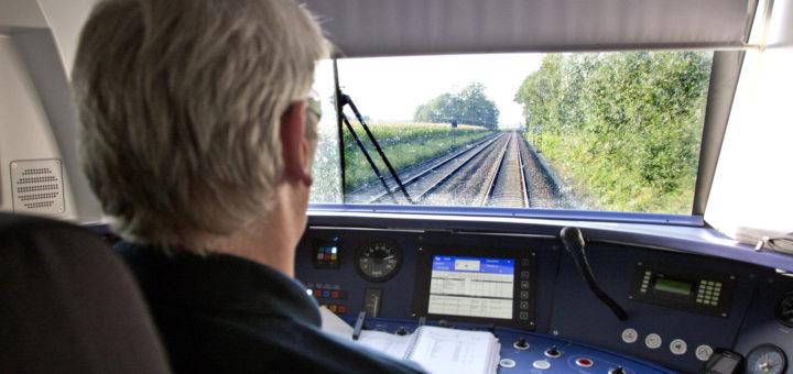Viele Fahrzeugführer der Nordwestbahn sind momentan erkrankt, deswegen kommt es zu Ausfällen. Foto: Nordwestbahn