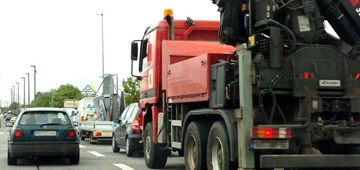 Stau und Verkehrschaos in Bremen durch Baustelle und Straßensperrung