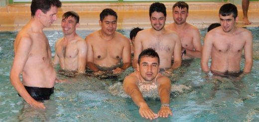 Unter anderem bei der DLRG können Flüchtlinge in Bremen schwimmen lernen. Foto: Niemann