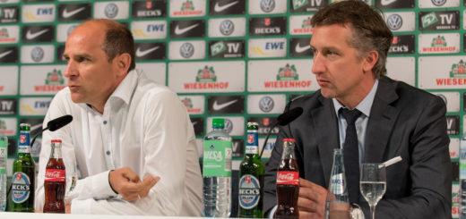 Trainer Viktor Skripnik (l.) und Geschäftsführer Frank Baumann auf der Pressekonferenz vor dem Pokalspiel bei den Sportfreunden Lotte. Foto: Nordphoto