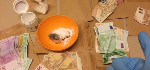 Drogen und Bargeld. Foto: Polizei Bremen