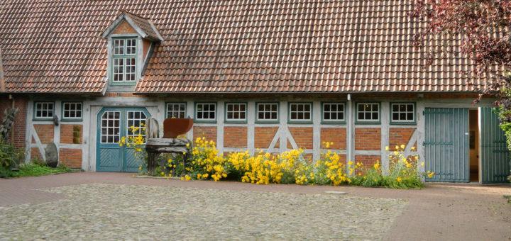 """Auch auf Gut Sandbeck öffnet der Kunstverein Osterholz am 3. Oktober seine """"Offenen Ateliers"""" für Besucher. Foto: Bosse"""