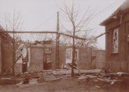 Auch der Eingangsbereich liegt nach der Explosion in Trümmern. Foto: Stadtarchiv Delmenhorst