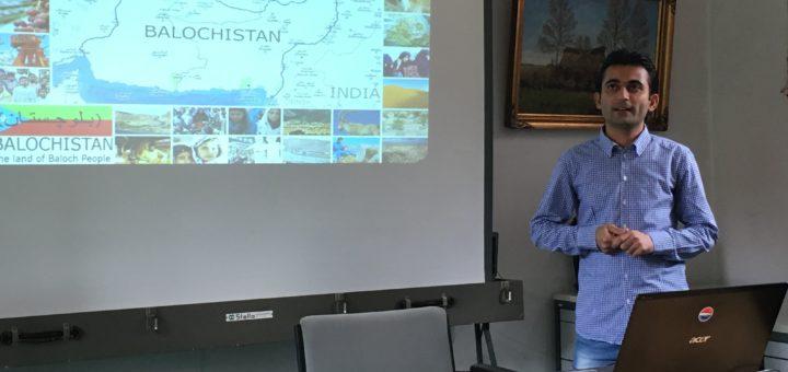 Muhammad Niaz während seines Vortrages. Foto: pv