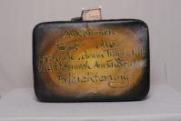 Auf Koffer haben die Teilnehmer Elfchen, also kleine Gedichte, zum Thema Ankommen geschrieben.