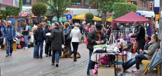 Fahrgeschäfte, Buden, der Flohmarkt am Samstag und der verkaufsoffene Sonntag sollen auch in diesem Jahr wieder für bunten Trubel im Ortskern sorgen. Foto: Konczak