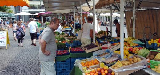 Der Wochenmarkt auf dem Domshof Foto: pv
