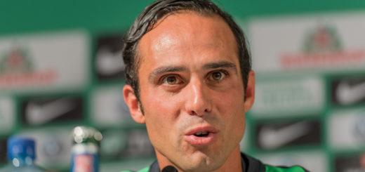 Werders Interimstrainer wird am Sonnabend gegen Wolfsburg wohl zum vorerst letzten Mal auf der Trainerbank der Profis sitzen. Foto: Nordphoto