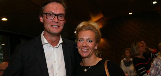 Kristian Willem Tangermann und seine Ehefrau, Ina Brandes, freuten sich bereits über das gute Abschneiden in der ersten Runde der Bürgermeisterwahlen am 11. September, nun ist der Wahlsieg endgültig eingefahren. Foto: Duwe
