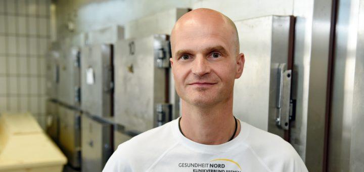Dr. Olaf Cordes ist neuer Leiter des Bremer Instituts für Rechtsmedizin. Foto: Schlie