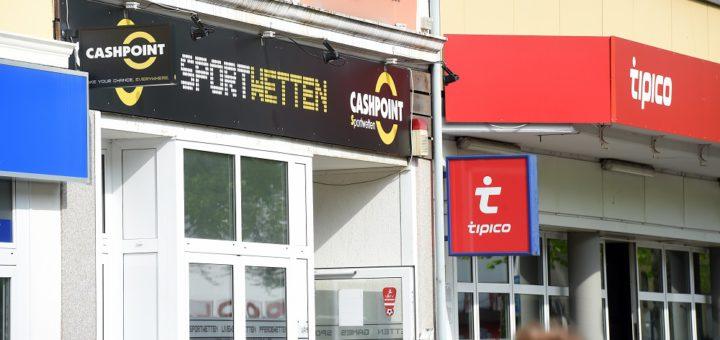 Streitthema Wettbüros (Aufnahme von der Gröpelinger Heerstraße): Eine Veränderung des Straßenbildes monieren die Antragssteller, die Betreiber fühlen sich ungerecht behandelt.Foto: WR