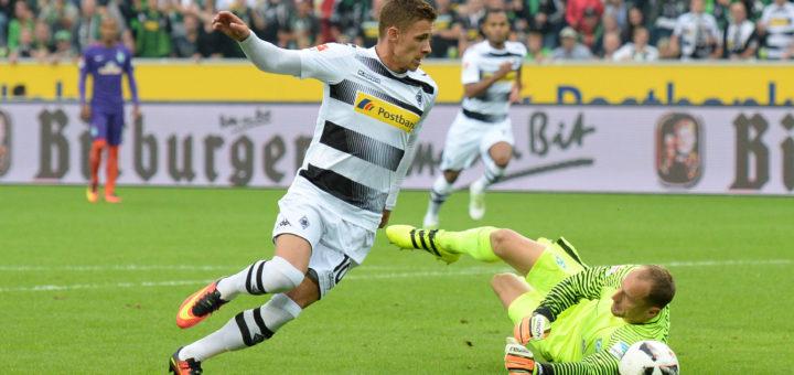 Thorgan Hazard (l.) umkurvt Jaroslav Droby. Der Belgier erzielte die ersten beiden Treffer für die Gastgeber. Foto: nph