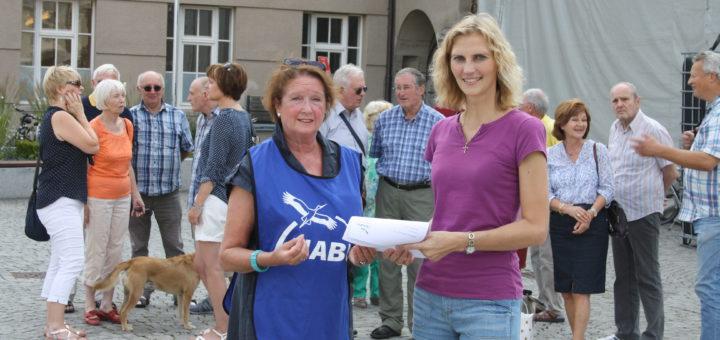 Dr. Yvonne Ingenbleek und Margitta Spiecker stellten am Donnerstag die Ergebnisse ihrer Umfrage zur Kommunalwahl 2016 vor.Foto: nba