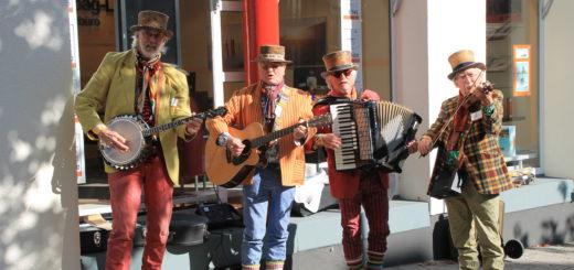 Die Band Parelmoer war bereits 2015 zu Gast und wird auch in diesem Jahr wieder mit Folk-Musik für Stimmung sorgen. Foto: WR