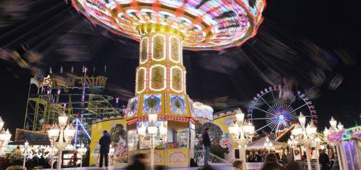 Am Montag startet die große Freimarktsause - wer von Karussells genug hat, kann mit den Festzeltstars feiern. Foto: Schlie