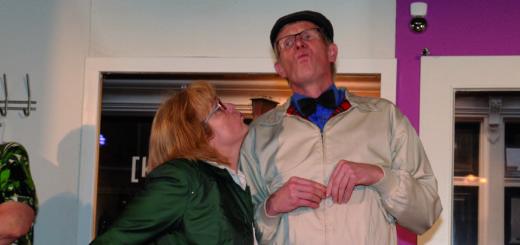 """In der vergangenen Spielzeit zeigte die Speelkoppel Hoyerswege das Stück """"Leeveslocken"""". In dieser Saison präsentieren sie das Lustspiel """"Wenn hört denn nu dat Himmelsreich?"""" Foto: Speelkoppel Hoyerswege"""