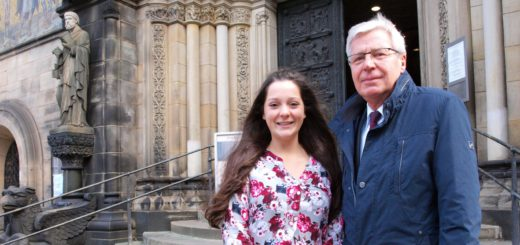 Jens Böhrnsen und Maria Esfandiari sind Reformationsbotschafter der Bremischen Evangelischen Kirche. Foto: Niemann