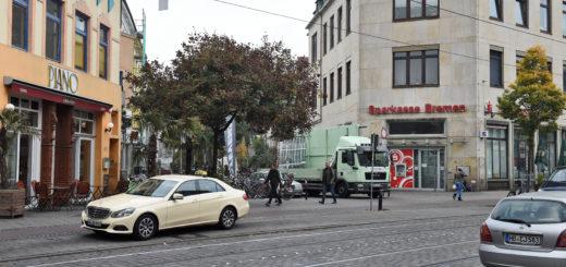 Straßendealer müssen für Premiumplätze wie diesen im Viertel Standgebühren bezahlen, behauptet Mustafa Öztürk. Foto: Schlie