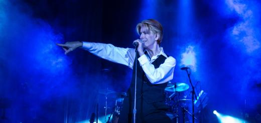 """David Brighton's US-Show """"Space Oddity"""" ist eine Hommage an Davis Bowie. Foto:pv"""
