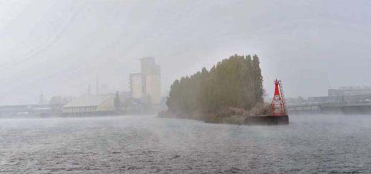 Der Blick auf die Werftinsel an der Weser. Foto: Schlie