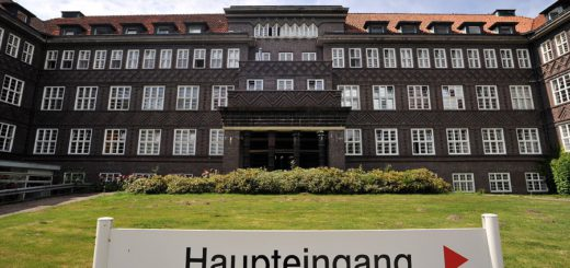 Außenaufnahme Klinikum Delmenhorst. Foto: Konczak
