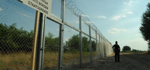 Zutritt versperrt: Der Grenzzaun in Ungarn. 70 Menschen wurden in 2016 bereits aus Bremen abgeschoben. Foto: Délmagyarország / Schmidt Andrea wikimedia.org