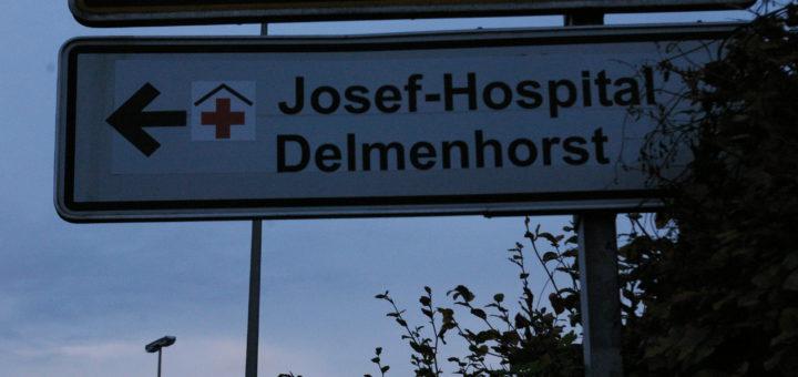 Hinweisschild Josef-Hospital. Foto Lürssen
