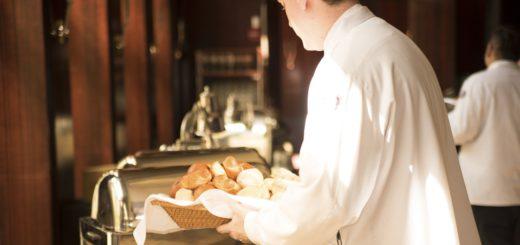 Auszubildende im Hotel- und Gaststättengewerbe leiden unter den Arbeitsbedingungen. Symbolfoto/pixabay