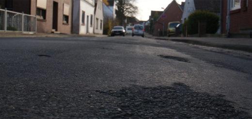 Die Neue Straße soll ab Anfang 2017 saniert werden, darüber informierte die Stadtverwaltung die Anlieger, die mit Straßenbaubeiträgen an der Finanzierung beteiligt werden sollen. Foto: Möller