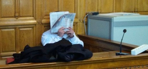 Der Angeklagte verzog am zweiten Prozesstag keine Miene, als Zeugen zum Unfallhergang befragt wurden. Foto: Niemann