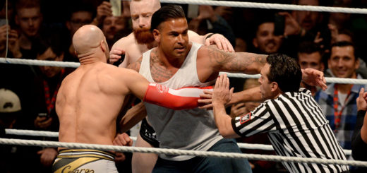 Es ging im Ring hoch her bei Tim Wieses Wrestling-Debüt. Auch der Ringrichter bekam etwas ab. Foto: Nordphoto