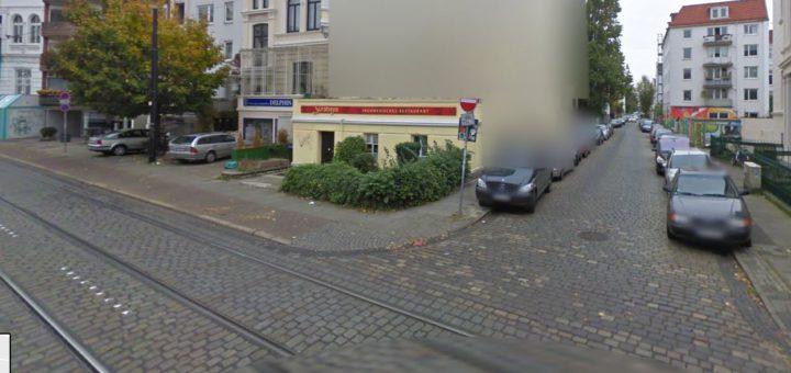 Auf Höhe der Feldstraße ist Am Dobben ein Wasserrohr gebrochen, 50 Haushalte müssen mit Eimern zur Straße laufen. Foto: googlemaps
