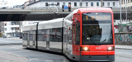 Die Busse und Bahnen der BSAG sind an Weihnachten und Silvester mit geändertem Fahrplan unterwegs. Foto: Schlie