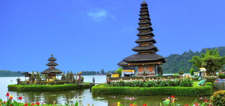 Auf Bali kann man nicht nur am Strand liegen - auch die Tempel bieten spannende Abwechslung. Foto: Kaloglou