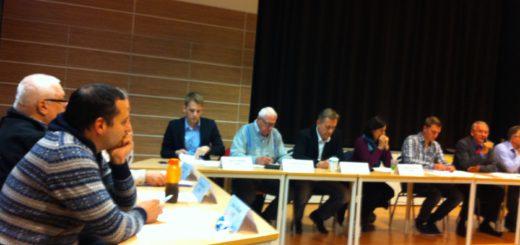 Adam Golkontt (auf dem Foto ganz links) wird weiter im Beirat Huchting bleiben - allerdings zukünftig nicht mehr für die AfD, sondern als unabhängiger Abgeordneter. Foto: lod