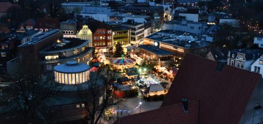 Delmenhorster Weihnachtsmarkt vom Wasserturm aus gesehen. Foto: Konczak