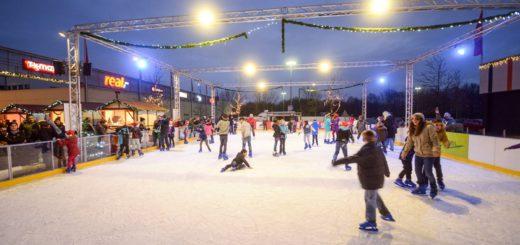 """Schlittschuhlaufen Eislaufen auf der Eislauffläche am Roland-Center in Huchting ist am Sonntag umsonst. Dann findet eine Charity-Aktion des Lions Clubs """"Bremer Schlüssel"""" statt. Gesammelt werden Spenden für das Mütterzentrum."""