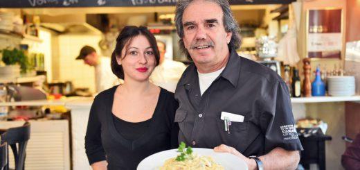 """Roberta und Wirt Angelo Galetti sorgen im """"Gallo"""" für schnellen und freundlichen Service. Foto: Schlie"""