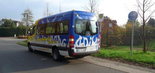 Der Grönemeyer-Bus, Bus Buslinie 113, fährt etwa alle eineinhalb Stunden durch die ganze Gemeinde Stuhr bis zum Roland-Center und zurück. In der Woche vor Weihnachten kann kostenlos mitgefahren werden. Foto: VBN