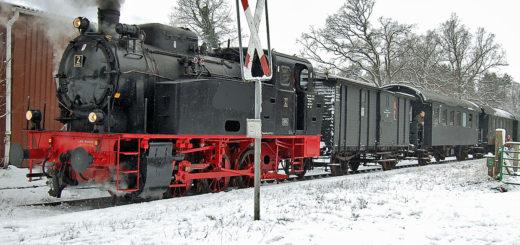 Die historische Dampflok 2 von Jan Harpstedt fährt am Heiligabend zweimal von Harpstedt nach Heiligenrode und zurück. Zugfahrt Stuhr historischer Zug Aktivität für die Wartezeit Foto: J. Kothe /DHEF